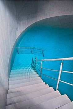 Can't decide if swimming here would freak me out/make me claustrophobic, or if I'd love the heck out of it.