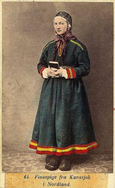 Samisk jente i fra Karasjok (Norway) av Marcus Selmer Lappland, Old Images, Empire Style, Color Photography, Traditional Dresses, Finland, Vintage Photos, Norway, Scandinavian