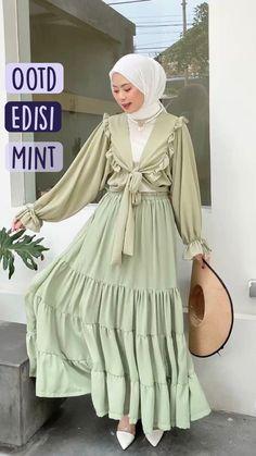 Egirl Fashion, Modesty Fashion, Fashion Outfits, Hijab Dress, Hijab Outfit, Simple Outfits, Cool Outfits, Stylish Hijab, Muslim Women Fashion