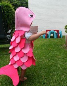 Imagen relacionada Fish Costume Kids, Rainbow Fish Costume, Sea Costume, Costume Carnaval, Carnival Costumes, Diy Costumes, Baby Halloween, Halloween Costumes For Kids, Halloween Crafts
