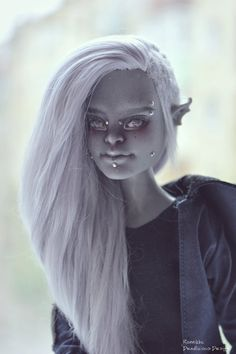 OOAK Monster High High doll repaint Garrott du Roque by RonnikBC Custom Monster High Dolls, Monster High Repaint, Custom Dolls, Doll Wigs, Ooak Dolls, Art Dolls, Pretty Dolls, Beautiful Dolls, Vampire Barbie