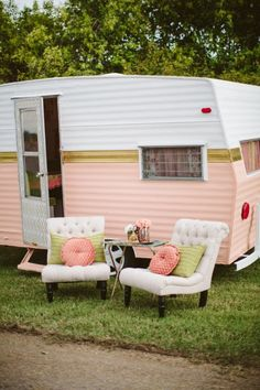 Int rieur eriba pan relooking caravane eriba pinterest for Peindre interieur caravane