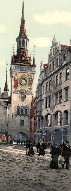 Old Town-hall seen from Marienplatz, Munich, Germany (between 1890 and 1905)