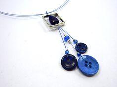 Button necklace - Collier de boutons // $25.00