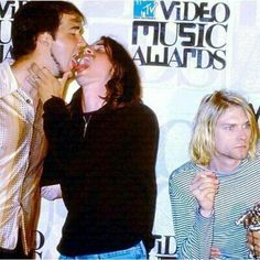 Internet as an art. Kurt Cobain Photos, Nirvana Kurt Cobain, Freddie Mecury, Donald Cobain, Dave Grohl, Chris Cornell, Foo Fighters, Playlists, Music Stuff