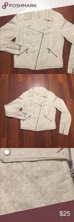 F21 Flower Floral Embroidered Moto Jacket Zip Up NWOT  FOREVER 21 White Ivory Floral Flower Embroidered Moto Biker Jacket Full Zip Up  Size Large, Fits Like A Medium   Tags Adidas Michael Kors Coach Unif Forever 21 Jackets & Coats