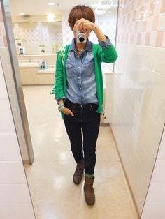 朝から冴えないお天気。 でも、そこまで寒くなかったのでアウター無しで。 今日はデニムonデニムなチャレンジコーデ。 そして全身GAP。 Cardigan/GAP Shirt/GAP Men's Bottoms/GAP Men's Bag/rosenbergcph Shoes/none Today is a combination of blue and green with denim.