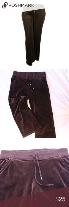 MICHAEL KORS comfy velour brown sweatpants  Ship out the same day or next, depending on when you ordered  If you have any questions or would like to see more pictures, leave a comment! ❌No trades Color: A beautiful deep brown Style: Velour sweatpants Size: M 74 % Cotton, 26% Polyester Michael Kors Pants Track Pants & Joggers
