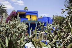 Jardim Majorelle, em Marrakech, com a casa azul vibrante que hospeda o Museu Berbere