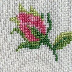 Cross stitch little cottage garden Cross Stitch Cards, Simple Cross Stitch, Cross Stitch Rose, Cross Stitch Borders, Cross Stitch Flowers, Cross Stitch Designs, Cross Stitching, Cross Stitch Patterns, Loom Patterns
