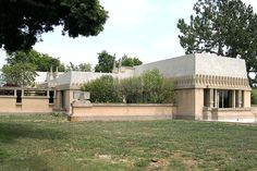 File:Hollyhock House.JPG   Los Angeles Hollyhock House, a building designed by Frank Lloyd Wright and built in 1919–1921 for Aline Barnsdall. Now the centerpiece of the Barnsdall Art Park.