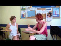 Der Kontakt zu den Lehrenden bei einer Sprachreise hilft beim Erlernen einer neuen Sprache.