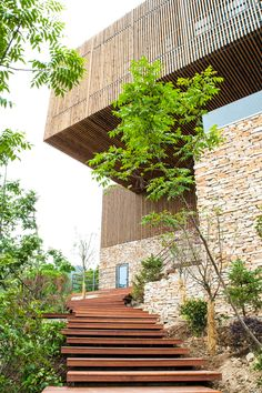 Overhang att Spa-Clubhouse, Garden Valley - Mei Jie Mountain Hotspring resort in Liyang, China. by AchterboschZantman architecten #walkway #slats #wood #overhang #bamboo #forest #shutters www.meijieresort.com