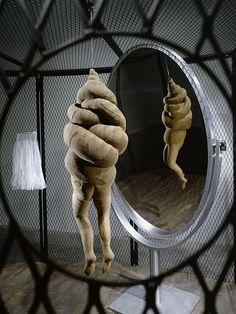 "Louise Bourgeois - ""Cell XXXVI - Photo Christopher Burke/ The Easton Fondation/licensed by VG Bild-Kunst"