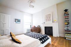 doorsixteen_newburghrowhouseforsale_guestroom