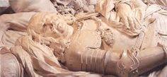 """Dit is het graf van michiel de ruyter. hij was een van de belangrijkste mensen voor nederland, en daarom kreeg hij een mooi groot graf.""""het mooiste graf dat ze konden maken"""""""