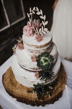 Schloss Langenburg: Vegane Boho-Chic Hochzeit Fotografie: OctaviaplusKlaus After Eight Torte, Boho Cake, Naked Cakes, Low Calorie Recipes, Food Items, Boho Wedding, Cake Toppers, Cake Recipes, Wedding Cakes