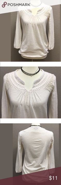 """Lucky Brand Woman's Peasant Top, Size Small Off White Lucky Brand Peasant top tag size small  60% Cotton & 40% Modal Great condition 3/4 Sleeve  Bust: 33"""", length: 25"""", & sleeve length 19.5 Arrives clean and ready to wear from a smoke free environment jewelry not included Lucky Brand Tops"""