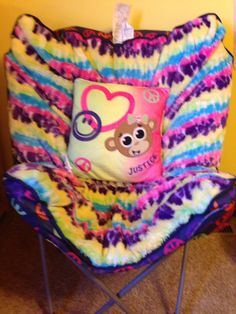 Cute justice chair and pillow