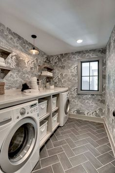 Stunning 72 Gorgeous Laundry Room Design Makeover Ideas https://cooarchitecture.com/2017/07/26/72-gorgeous-laundry-room-design-makeover-ideas/