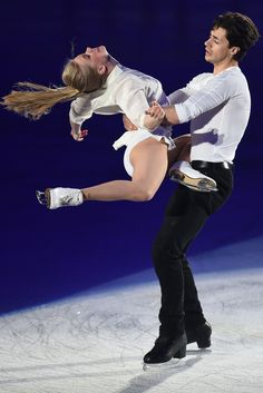 Andrew Poje Photos - Kaitlyn Weaver and Andrew Poje of Canada perform their routine in the exhibition on the day four of the ISU World Team Trophy at Yoyogi National Gymnasium on April 2015 in Tokyo, Japan. - ISU World Team Trophy - Day 4 Figure Ice Skates, Figure Skating, Kaitlyn Weaver, Gracie Gold, Johnny Weir, Ice Skaters, Ice Dance, Team Usa, Artists