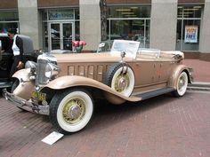 Vintage Cars 1931 Chrysler CL Custom Imperial Dual Cowl Phaeton by Le Baron - Chrysler Voyager, Retro Cars, Vintage Cars, Antique Cars, Desoto Cars, Chrysler Cars, Chrysler 300, Chrysler Imperial, American Classic Cars