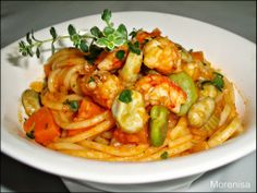 LA COCINA DE MORENISA: Espaguetis con Langostinos y Habas