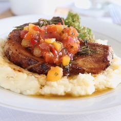 These Easy Pan Fried Pork Chops with Peach Salsa really couldn't be more quick to make. Although they make a fancy looking dinner, they're SO easy to whip up in the comfort of your own home. The PERFECT date night dinner! Easy Chicken Recipes, Pork Recipes, Cooking Recipes, Dinner Date Recipes, Healthy Dinner Recipes, Peach Pork Chops, Pork Chops With Peaches, Peach Salsa Recipes, Pan Fried Pork Chops