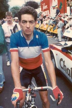 Marc Madiot was French national champion in 1988 Velo Vintage, Vintage Cycles, Cycling Wear, Bicycle Race, Road Racing, Champion, Tours, Bicycling, Wolf