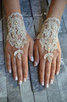 Guantes de Novia de encaje Champagne oro francés encaje guantes guantes de novia guantes sin dedos de champagne encaje guantes barco gratis                                                                                                                                                     Más