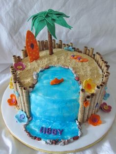 Beach Theme Cake from Cake Central. A smaller version would be cute for the cake to give to the baby, or as a top layer (make birthday cake decorating ideas) Luau Birthday Cakes, Luau Cakes, Hawaiian Birthday, Summer Birthday, Hawaiian Party Cake, Hawiian Party, 9th Birthday, Beach Themed Cakes, Beach Cakes
