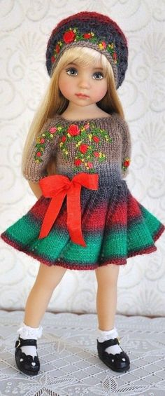 Ideas holiday girl outfits little for 2019 Crochet Doll Clothes, Knitted Dolls, Baby Barbie, Baby Dolls, Holiday Party Outfit Casual, Effanbee Dolls, Diana, Dolly Fashion, Holiday Crochet
