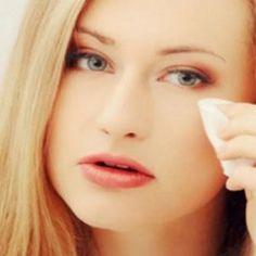 Kulit wajah berminyak dapat mengganggu penampilan dan makeup anda. Kami menyediakan tips jitu makeup untuk kulit wajah berminyak dengan langkah sederhana.