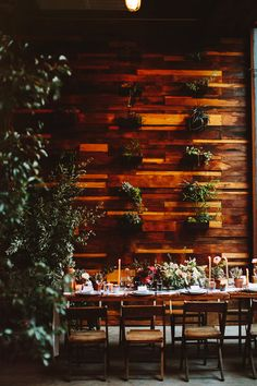 Brooklyn Winery wedding, photo by Pat Furey http://ruffledblog.com/brooklyn-wedding-with-breathtaking-floral-design #weddingreception #venues