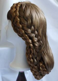 Sissi Hairstyle (possibly the one with the stars) Dance Hairstyles, Cute Hairstyles, Braided Hairstyles, Pretty Braids, Beautiful Braids, Victorian Hairstyles, Vintage Hairstyles, Romy Schneider, Historical Hairstyles