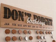 Cadeau Personnalisable - Calendrier d'anniversaire Mémo perpétuel en bois découpé