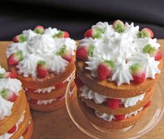 TUTORIAL: Strawberry cream cakes, in 1:12 Dollhouse miniature scale by CDHM Artisan Betsy Niederer of Betsy Niederer Miniatures, IGMA Fellow, www.cdhm.org...