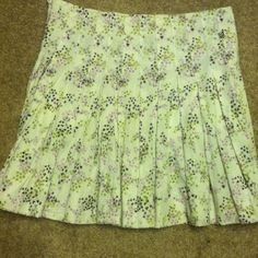 """Volcom St Patty's Day Skirt """"Clover Days"""" Volcom """"Clover Days Skirt"""" size 5. Super cute and with the clover pattern would be great to wear for St Patricks Day coming up! Side zip and clasp closure. Volcom Skirts Midi"""