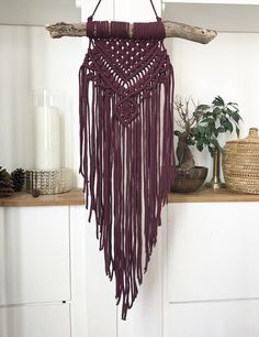 Macrame Wall Hanging Wall hanging suspension in bordeaux Macrame Design, Macrame Art, Macrame Projects, Macrame Knots, Macrame Modern, Macrame Wall Hanger, Macrame Curtain, Macrame Wall Hangings, Los Dreamcatchers