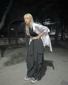 Edgy Outfits, Korean Outfits, Retro Outfits, Grunge Outfits, Cute Casual Outfits, Fashion Outfits, Tomboy Fashion, Streetwear Fashion, Looks Pinterest
