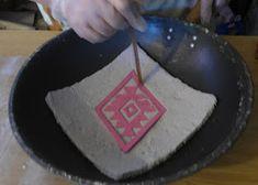 Tutoriales Bricolage, manualidades e ideas Pasta Piedra, Salt Art, Diy And Crafts, Polymer Clay, Ideas Creativas, Facebook, Creative Ideas, Stones, Van