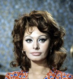 """Ring a Ding Ding"" she has beautiful features & looks like Sophia Loren"