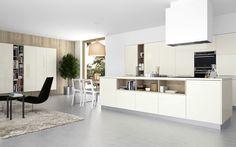 Užívejte si čisté linie, moderní design a zářivé barvy s kuchyní STYLE.