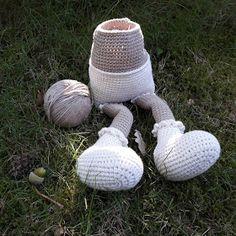 Haak-gelukjes: Mijn lieve Willenein Crochet Dolls, Easter Crafts, Garden Sculpture, Bunny, Knitting, Outdoor Decor, Pattern, Home Decor, Amigurumi Doll