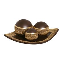 Prato com bolas decorativas. Para a decoração da sua casa ficar completa, garantia de charme e elegância.