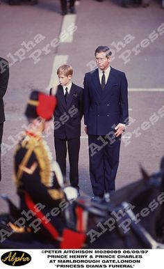 "06/09/97 "" DIANA PRINCESS OF WALES FUNERAL "" PRINCE HENRY AND PRINCE CHARLES WAITING AT MARLBOROUGH GATE TO FOLLOW DIANA'S COFFIN TO WESTMINSTER ABBEY IN LONDON"