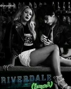~Riverdale~ Lili Reinhart and Cole Sprouse Riverdale Archie, Bughead Riverdale, Riverdale Funny, Riverdale Memes, Betty Cooper, Archie Comics, Riverdale Betty And Jughead, Lili Reinhart And Cole Sprouse, Zack E Cody