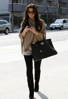 I tend to avoid tops and sweaters like this because I always thought they looked bulky, but she looks great!