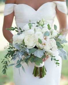 Take a look at 14 amazing white wedding bouquet photos you will love in the photos below and get ideas for your wedding! Flower Muse Our Favorite: White Flowers for a beautiful wedding bouquet Image source Summer Wedding Bouquets, Bride Bouquets, Floral Wedding, Wedding Dresses, Bridal Bouquet White, Wedding Summer, Simple Bridesmaid Bouquets, Greenery Bouquets, Cascading Bridal Bouquets