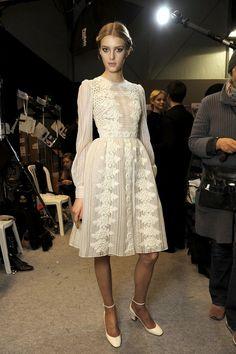 Petite robe blanche. valentino.
